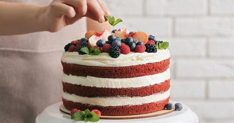 Sophisticated Baking Cake Design 1