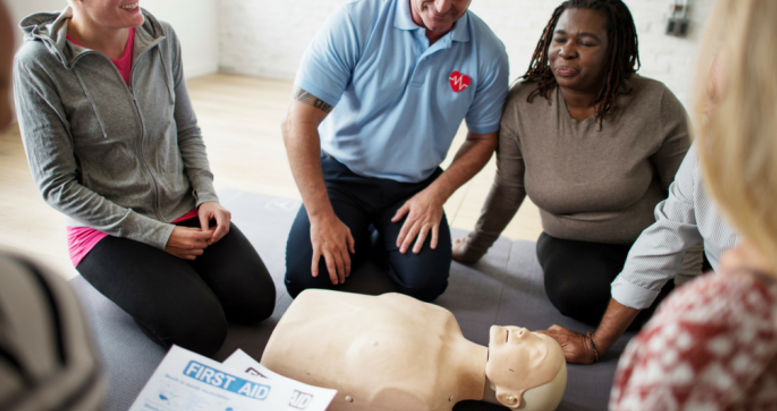Cpr First Aid Training Course2 r